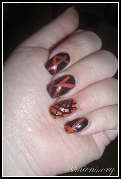 Ränder i svart och orange