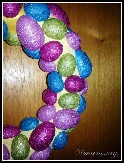 Närbild på glittriga ägg
