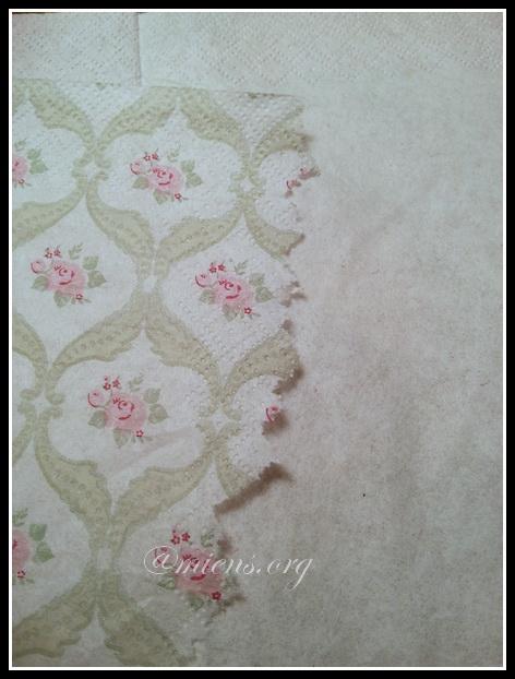 Låda för diskmedelskuddar dekorerad med decoupage - Riv servetten